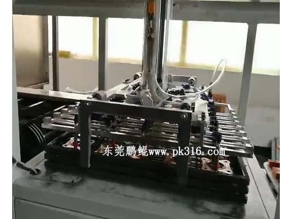 机械手自动抓取上下料喷漆机的应用特点