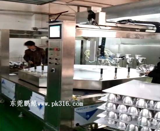 东莞玻璃灯罩自动喷漆机 (2)