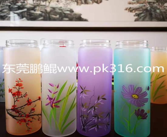 硅胶玻璃杯喷涂机1