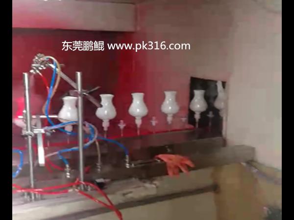 东莞鹏鲲自动陶瓷喷涂设备解决了喷涂行业招工难的问题!