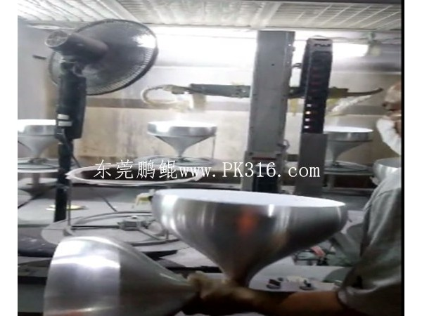 照明灯具自动喷漆机