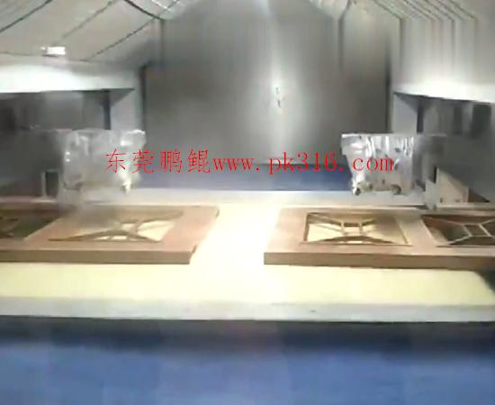 木门自动喷漆设备1