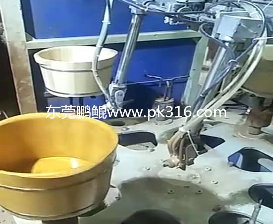 泡脚桶自动喷漆设备 (2)