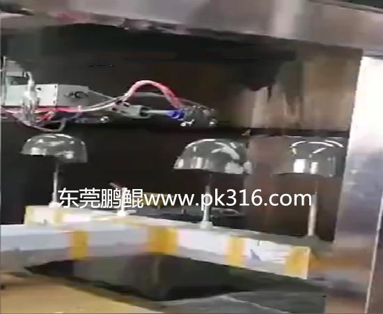 头盔自动喷漆设备1