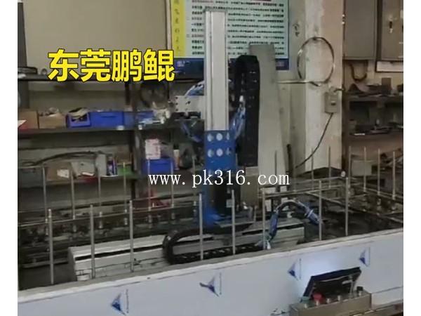 拉发器生产流水线