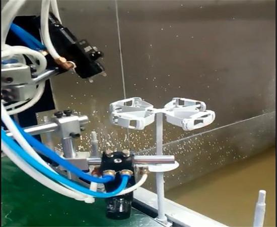 自动喷油设备